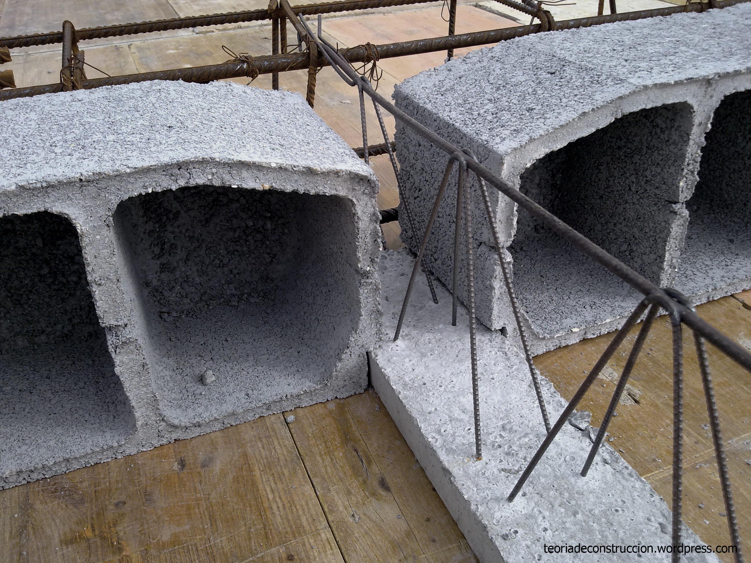 Forjado con bovedillas de mortero de cemento